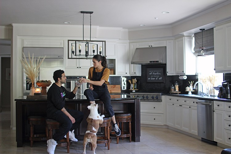 Rachel Metz of Living to DIY didn't know where to start when it came to updating her kitchen. With new appliances and the right accessories, Rachel now has a functional and stylish space she can be proud to show off.