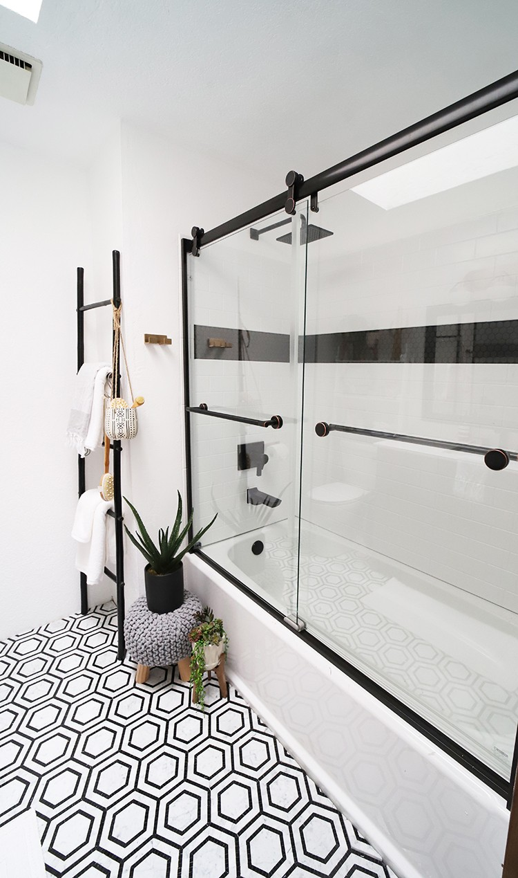Seeking Alexi completes a full bathroom remodel with beautiful Delta products and decor from The Home Depot, turning her guest bath into a modern oasis.