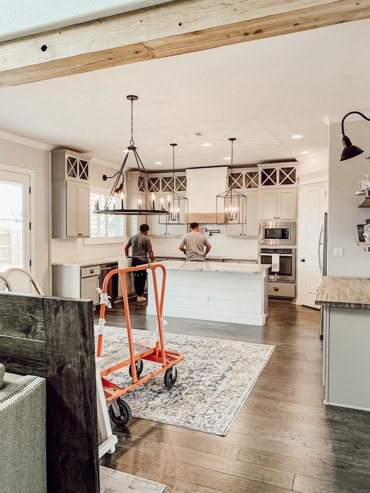 Quartz Countertops for a Modern Farmhouse