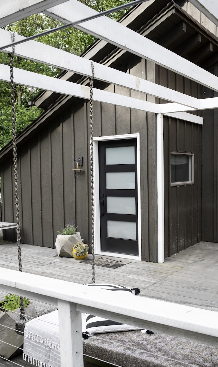 Modernizing an 80s Fixer Upper to Boost Curb Appeal