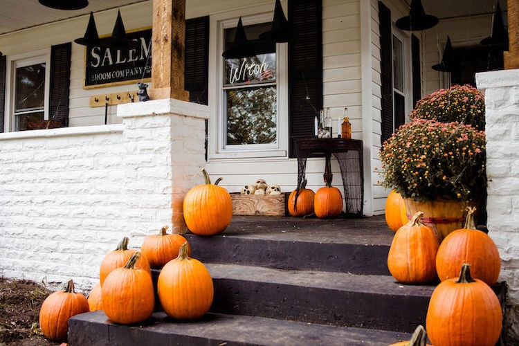 How to Create the Spooky Halloween Porch