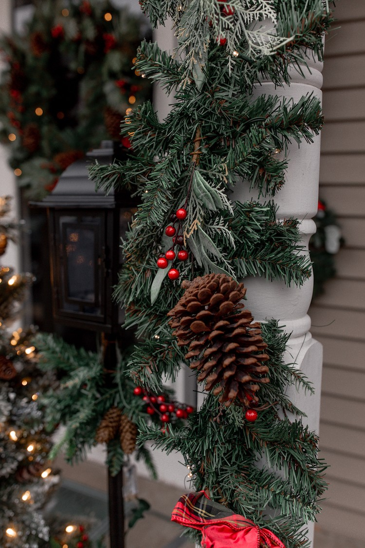 Festive Christmas Porch in Under 20 Minutes