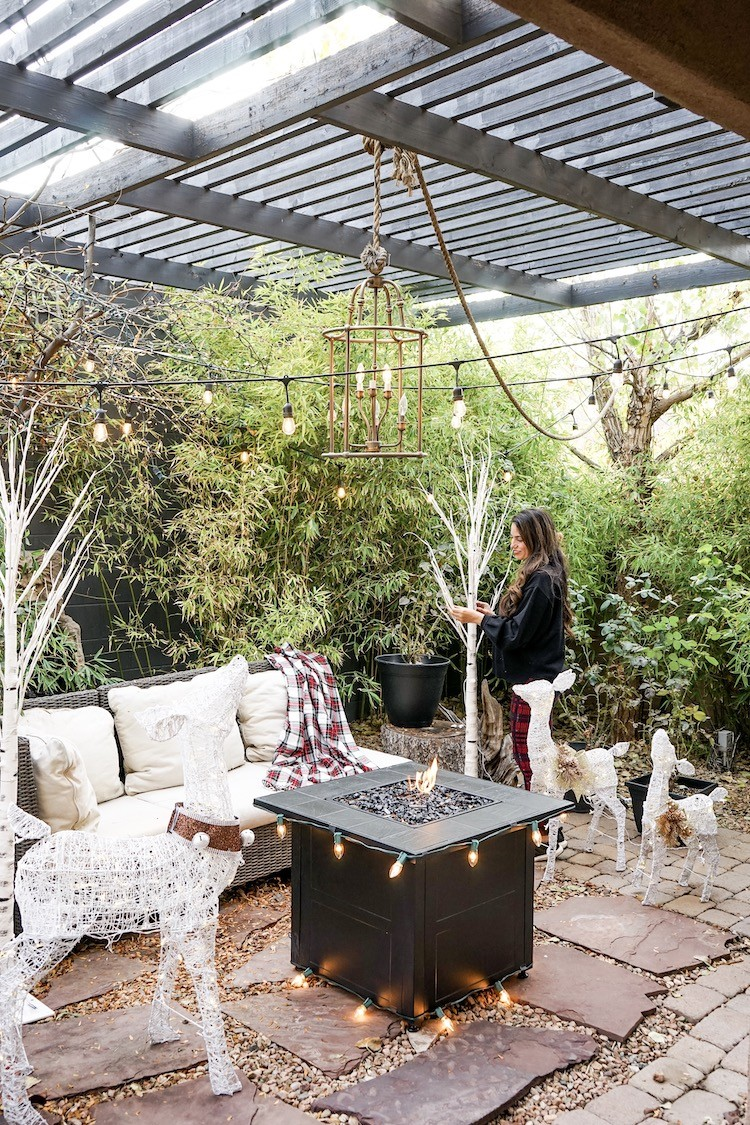 Deck the Halls and the Outdoors for the Holidays
